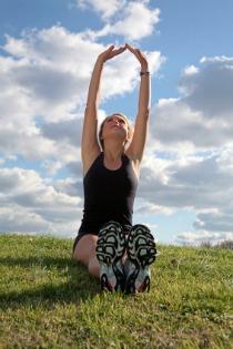 fibromyalgia exercise, woman stretching